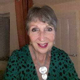 user Deborah Curry apkdeer profile image