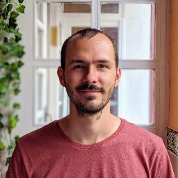 user Vlad Rusanescu apkdeer profile image