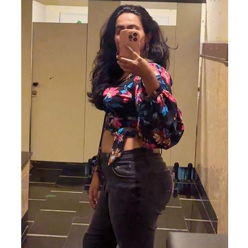 user Tharushi Wickramasinghe apkdeer profile image