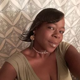 user Felicia Mattern apkdeer profile image