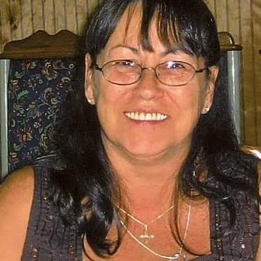 user Crystal Logsdon apkdeer profile image