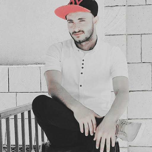 user Fuad Albadany apkdeer profile image