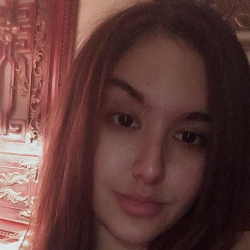 user Gabriela Hazera apkdeer profile image