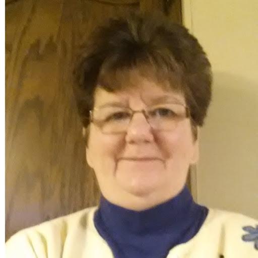 user Nancy Robinson apkdeer profile image