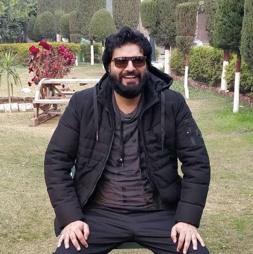 user Amir Bashir apkdeer profile image