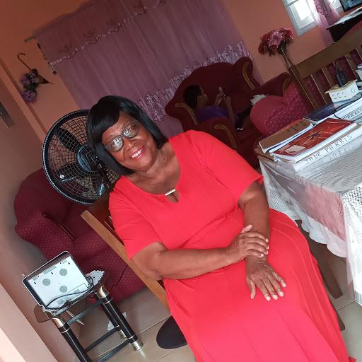 user Lenora Prescott apkdeer profile image