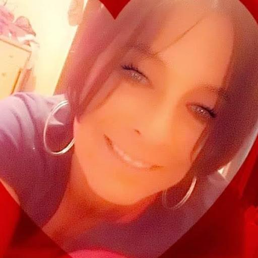 user Katrina Willis-Lum apkdeer profile image