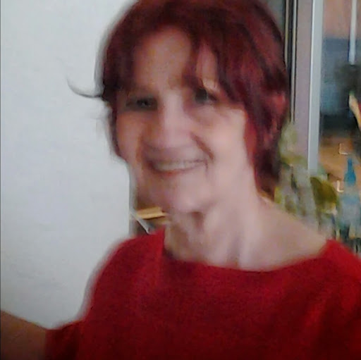 user Myrta Finley apkdeer profile image