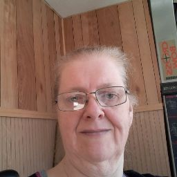 user Tracie Young apkdeer profile image