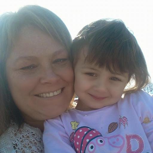user Kay Easdown apkdeer profile image