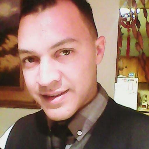 user Razeen Williams apkdeer profile image