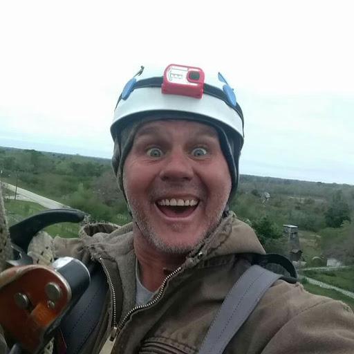 user David Barry apkdeer profile image
