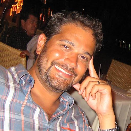 user Jo V apkdeer profile image