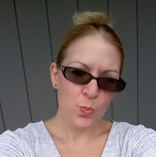 user Andrea Villegas apkdeer profile image