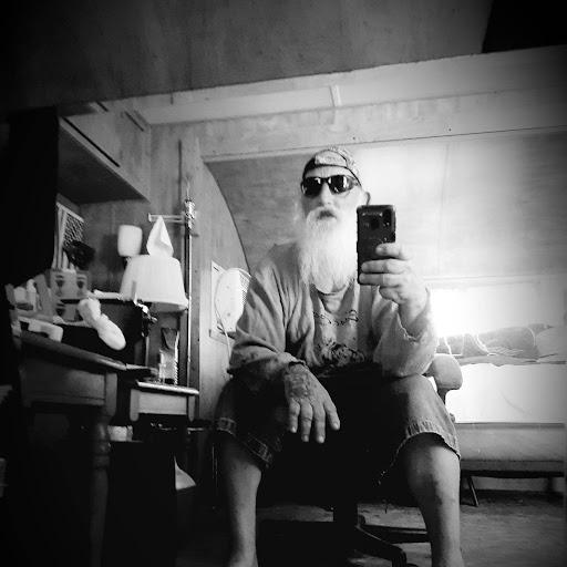 user Youngstown1956 apkdeer profile image