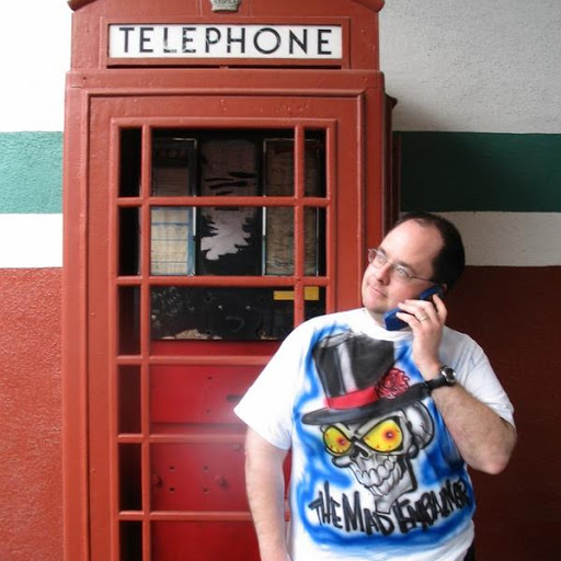user Floyd Etheridge apkdeer profile image