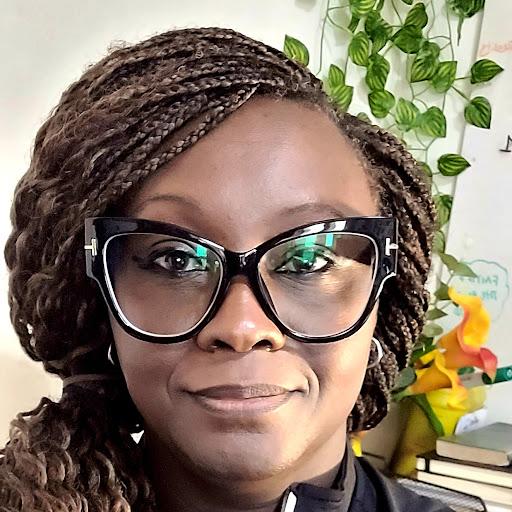 user Eniye Oshunbiyi apkdeer profile image