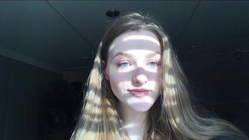 user Makayla Lee apkdeer profile image