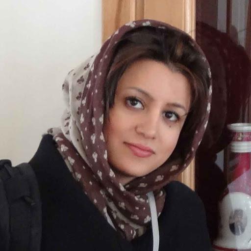 user mahshad azarnoush apkdeer profile image