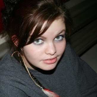 Alyssa Lauren's avatar