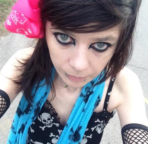 user Julia Chen-Shoopman apkdeer profile image