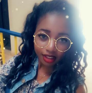 user Lydia kelsey apkdeer profile image