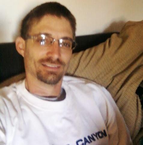 user Frank Newton apkdeer profile image