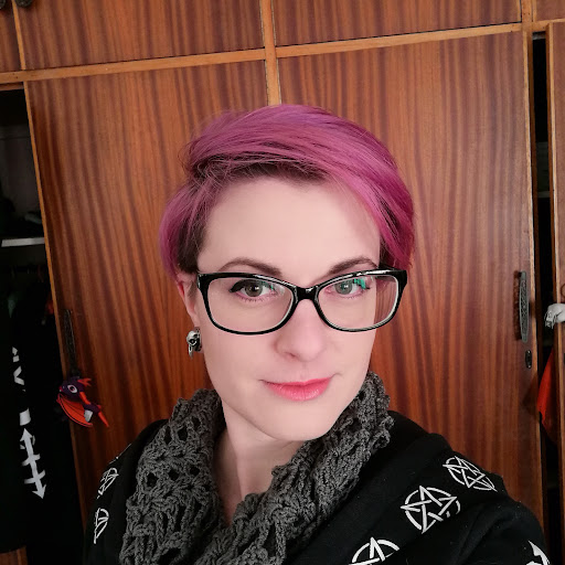 user Cordelia Kotze apkdeer profile image