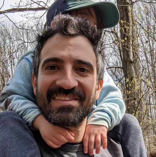 user Ariel Levy apkdeer profile image