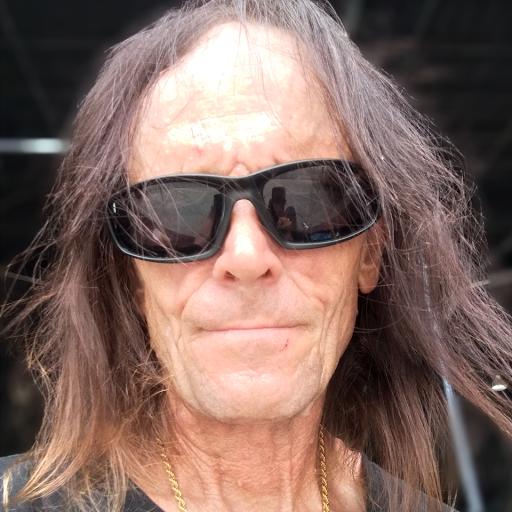 user Bobby Nance apkdeer profile image
