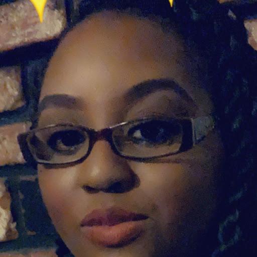 user Michelle Sanders apkdeer profile image