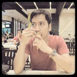 user Adhi Mukmin apkdeer profile image