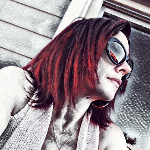 user Ami Contreras apkdeer profile image