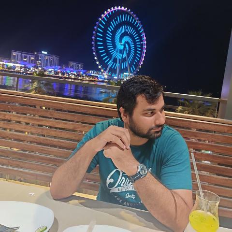 user Zubair Saqib apkdeer profile image