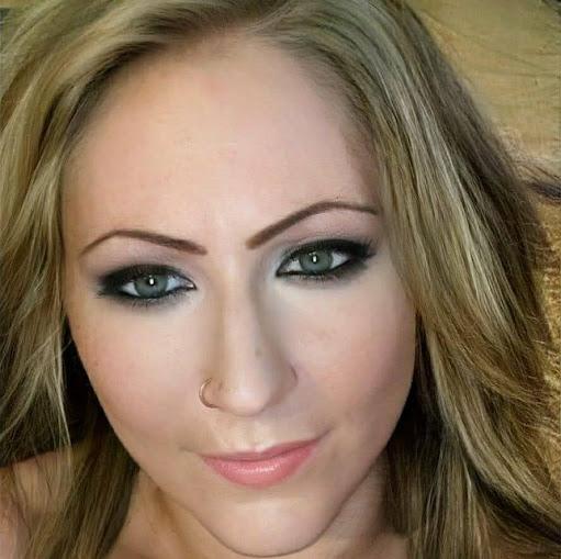 user Eryn Noble apkdeer profile image