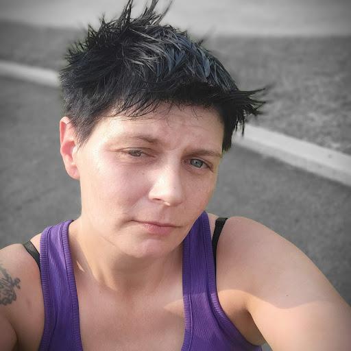 user Shannon Tuggle apkdeer profile image
