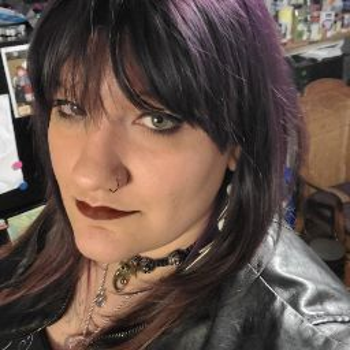 user Julia Bavaro apkdeer profile image