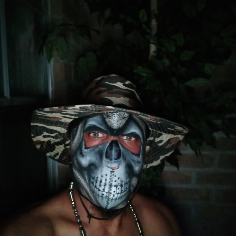 user Alexandrs Robbins apkdeer profile image
