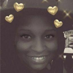 user Taisha Nicholas apkdeer profile image