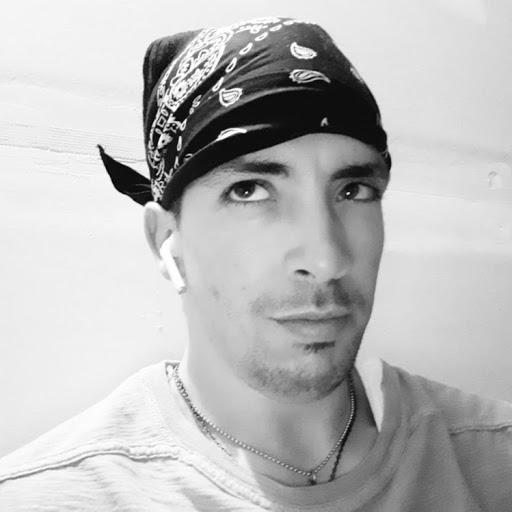 user Justin Davis apkdeer profile image