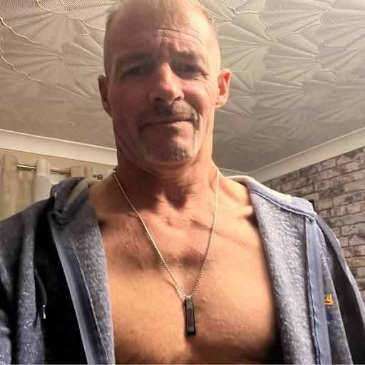 user peter hill apkdeer profile image