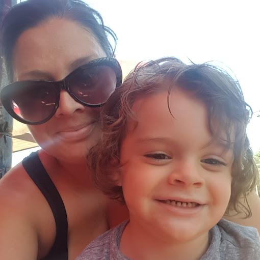 user Jessica Campana apkdeer profile image