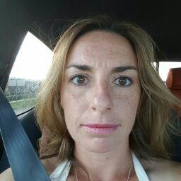 user Peggy Crofut apkdeer profile image