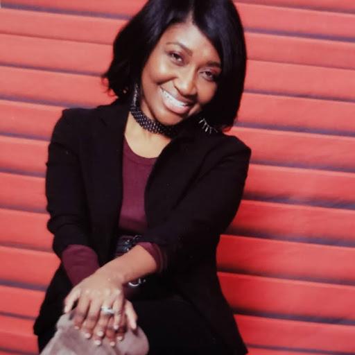 user Lana Washington apkdeer profile image