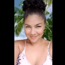user Lisette Gil apkdeer profile image
