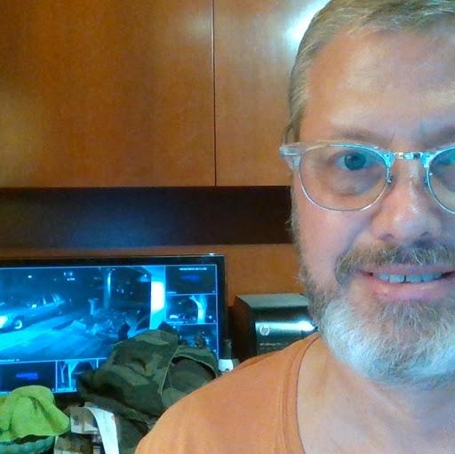 user Paul Farney apkdeer profile image