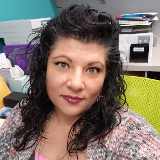 user Misti Butler apkdeer profile image