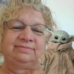 user Laurie King apkdeer profile image