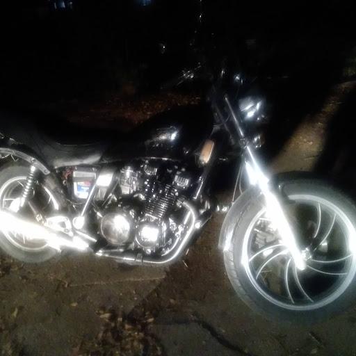 user James Boutwell apkdeer profile image