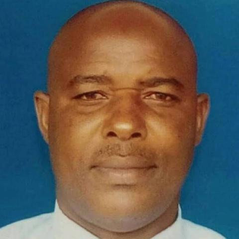 user Moses Njamakuya apkdeer profile image